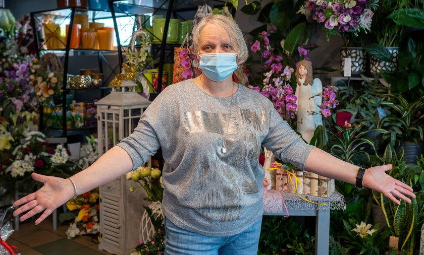 Pani Lilianna kocha kwiaty i nie może się pogodzić z tym, że przez złodzieja musiała setki ich wyrzucić na śmietnik.