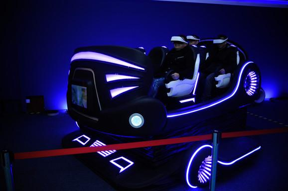 Automobili sa VR naočarima