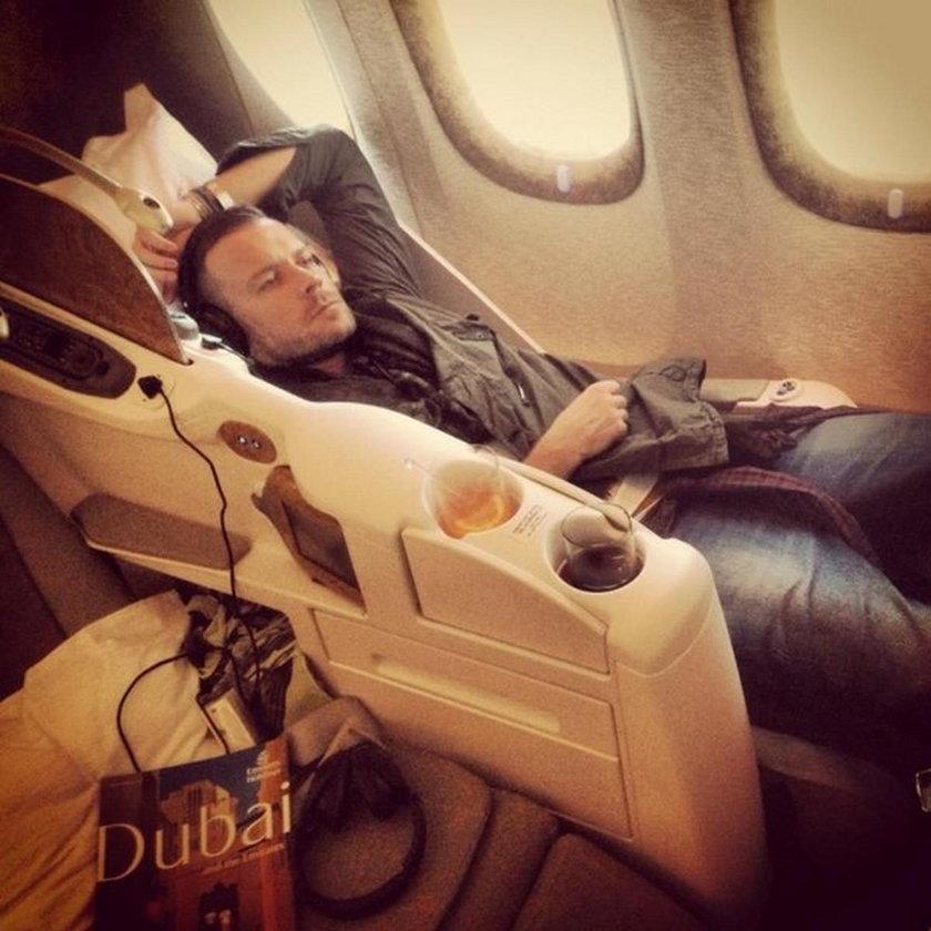 Dawid Woliński w samolocie