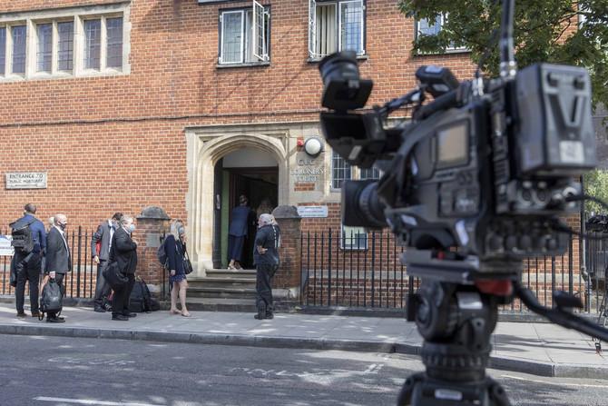 Ispred stana u kojem je živela Karolina Flek danas u Londonu