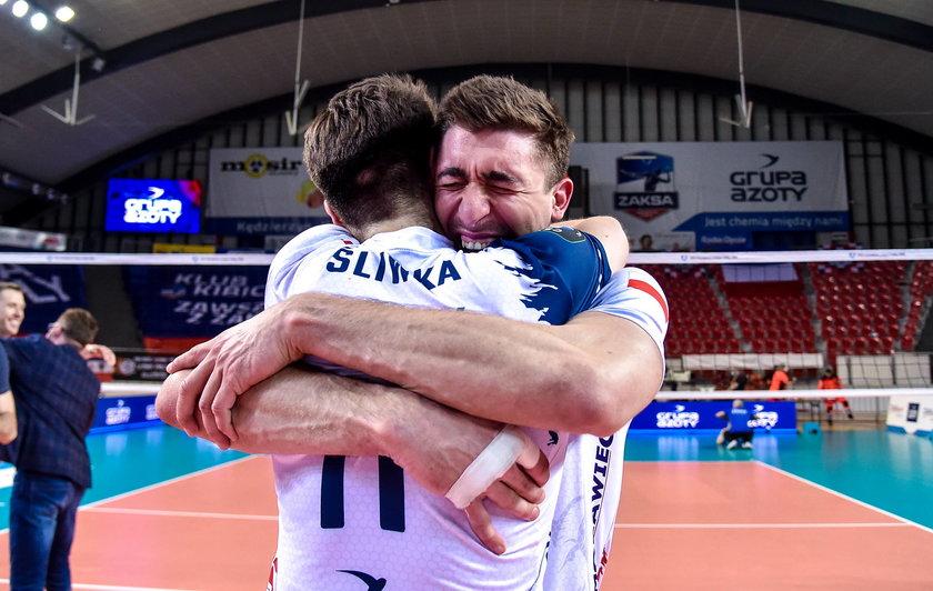 W 2012 roku Łukasz i Sebastian Kaczmarkowie zostali na piasku wicemistrzami świata do 19 lat