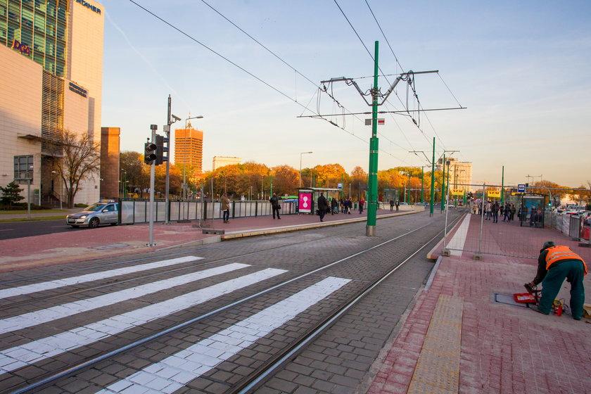 Kończą budowę naziemnego przejścia dla pieszych przy dworcu