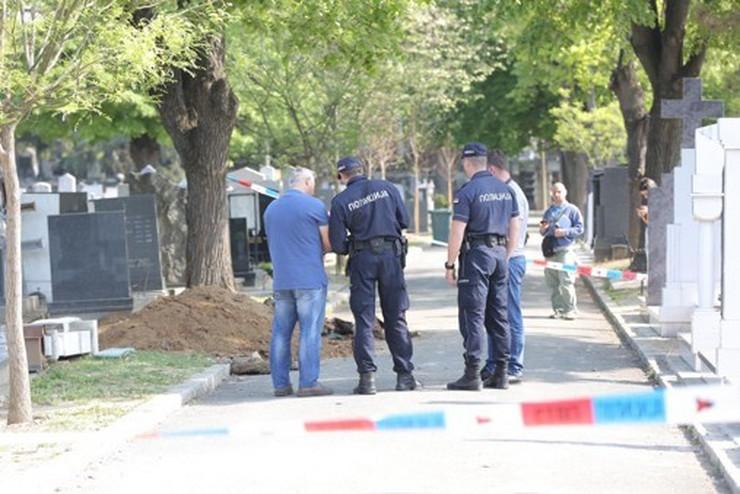 groblje policija