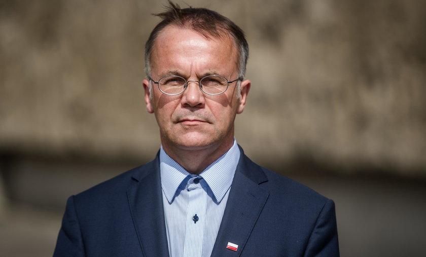 Jarosław Sellin o pomnikach smoleńskich