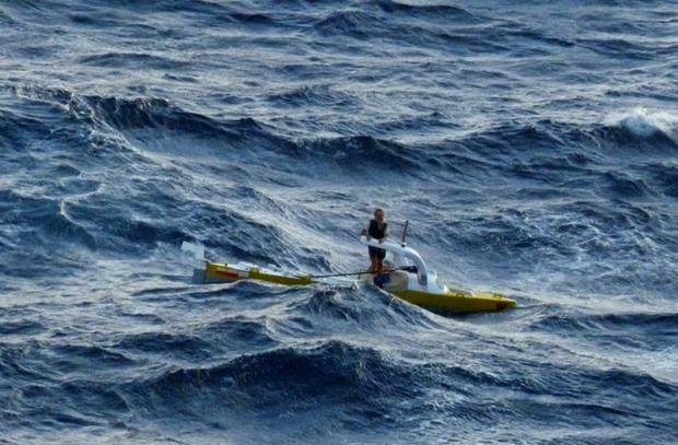 Aleksander Doba - środek Oceanu Atlantyckiego, 23 grudnia, 2013:   23-40.55N, 53-13-21N