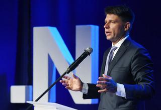Petru apeluje do rządu, by wziął pod uwagę rezolucję PE