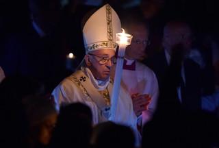 Papież w Wielką Sobotę: Dziś jest święto naszej nadziei, otwórzmy się na nią