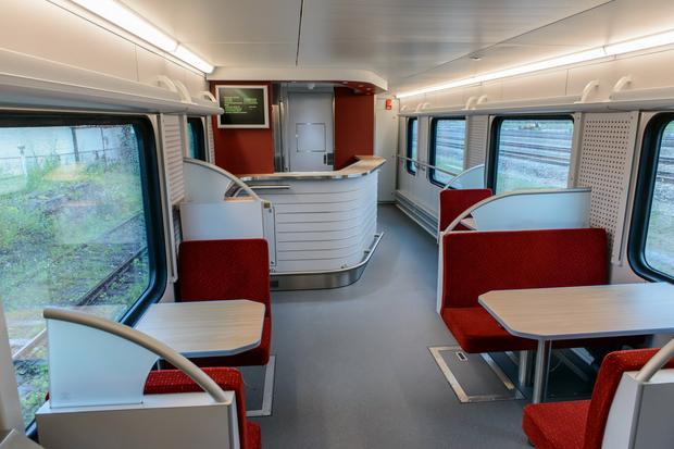 Wagon gastronomiczny w pociągu Flirt 3