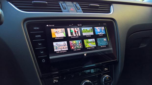 Kolorowego menu w Skodzie mogą pozazdrościć użytkownicy aut VW. Zdarza się, że przy słabym połączeniu menu ładuje się bardzo długo. Skoda Octavia
