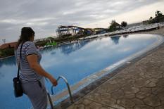 """""""ZARONIO JE, A ONDA SMO UGLEDALI TELO NA DNU"""" Tinejdžer se udavio u bazenu u kom mu je voda do grudi, vrisak njegovih prijatelja PARAO NEBO"""