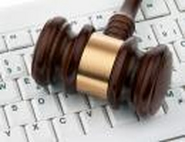Sąd nie doszukał się znamion przestępstwa w tym, że kobieta zamieściła w internecie apelację w sprawie o zniesławienie, którego miała się rzekomo dopuścić.