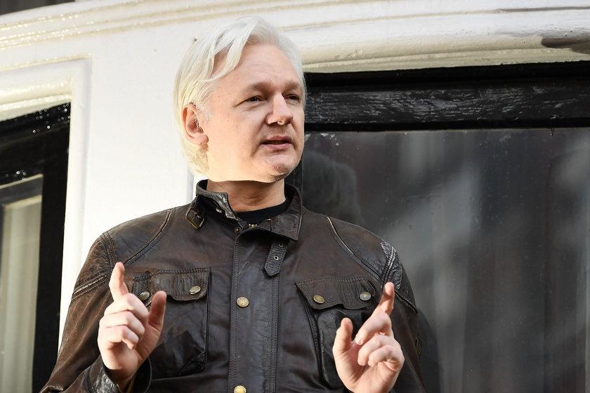 Assange domaga się lepszych warunków