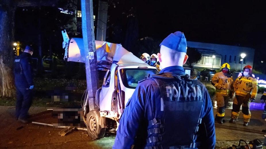 Jastrzębia Góra: Tragiczny wypadek na ul. Rozewskiej. Zginęły dwie osoby