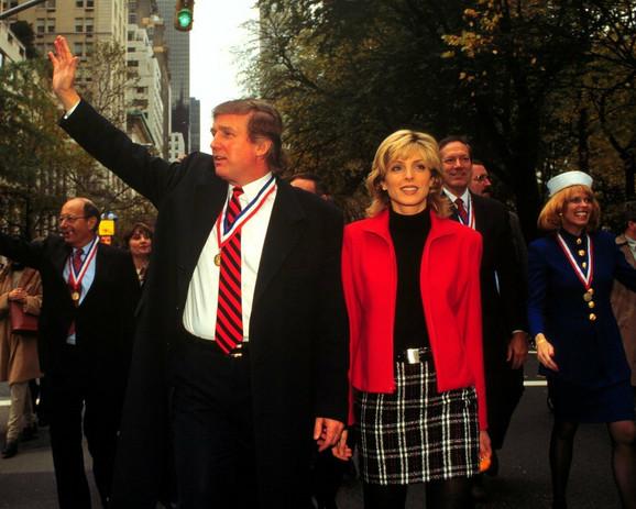 Afere ga učinile još poznatijim - Donald Tramp i Marla Mejps novembra 1995. u Njujorku