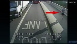 Wypadek w Londynie. Mężczyzna wepchnął kobietę pod koła autobusu
