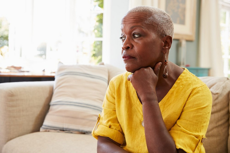 10 signs your mother-in-law is jealous of you and how to deal with her