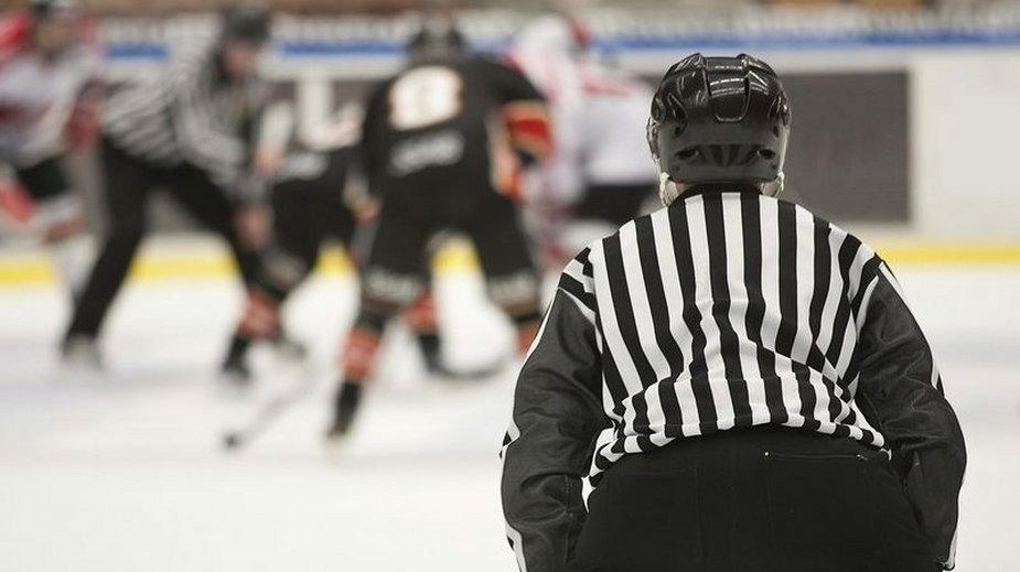 Sędzia hokejowy