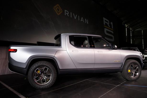 Rivian Automotive Inc - elektryczny pickup R1T