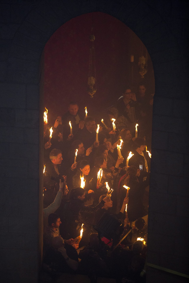 MIDEAST ISRAEL BELIEF ORTHODOX HOLY WEEK (Miracle of the Holy Fire in the Church of the Holy Sepulchre in Jerusalem the day before Orthodox Easter)