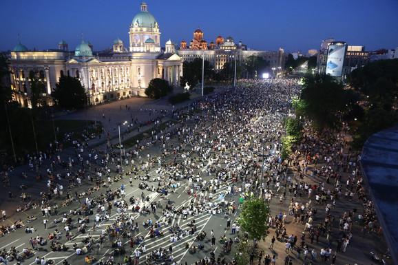 Protest ispred Narodne skupštine u Beogradu