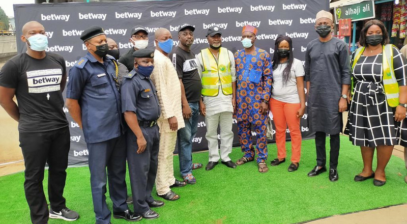 Betway donates newly built borehole to the Ojuelegba community