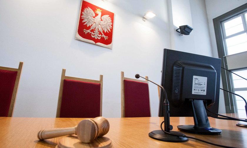 Akcja służb w warszawskim sądzie. Ewakuowano 400 osób