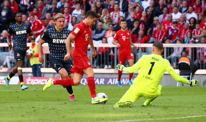 Jest dopiero siódmym piłkarzem w historii niemieckiej ekstraklasy, który strzelał gole w każdej z pięciu pierwszych kolejek.