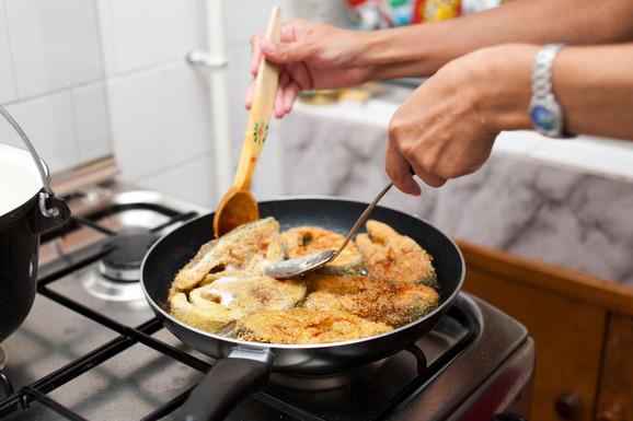 Gostima je zabranjeno prženje hrane jakog mirisa