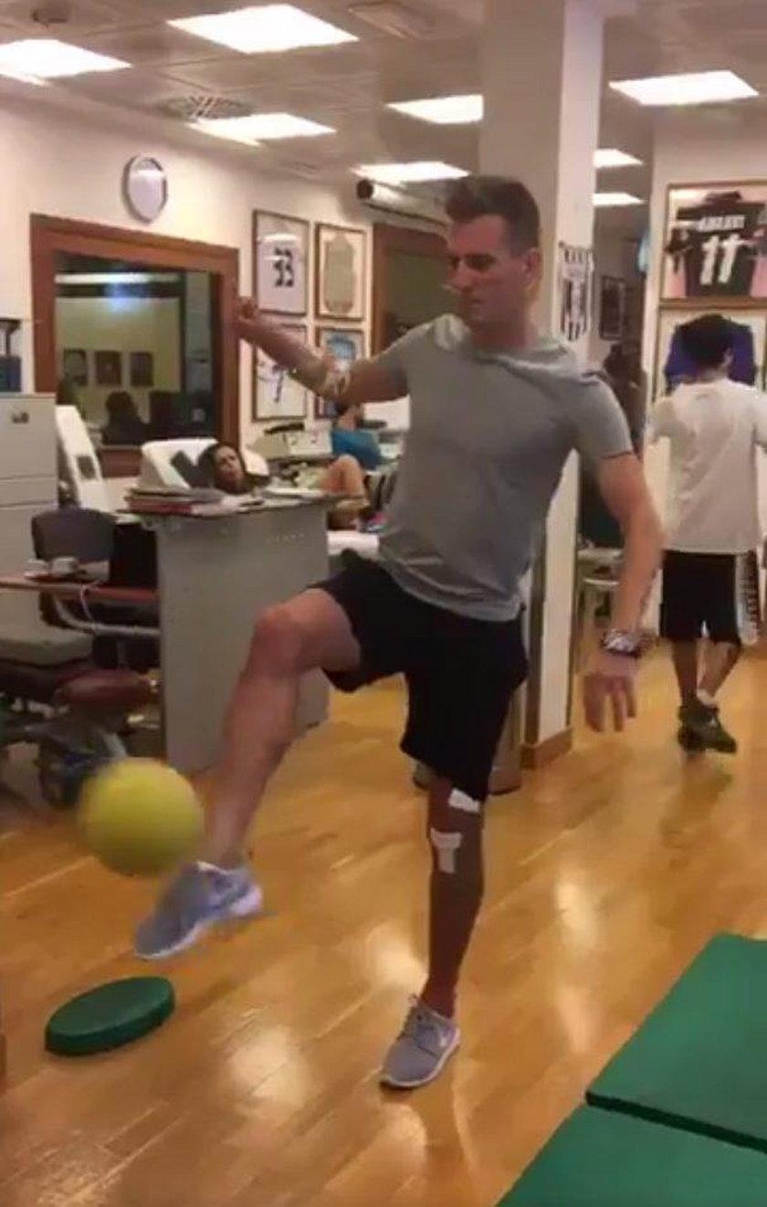 Arkadiusz Milik trenuje z piłką! Przełom w rehabilitacji Polaka