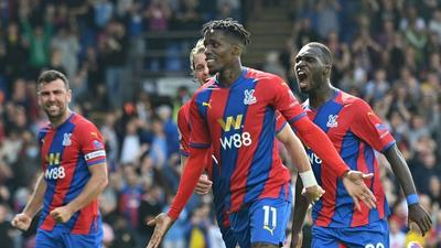 Palace late show ends Spurs' perfect start