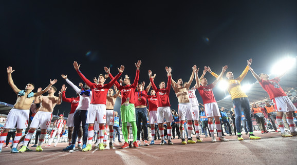 Slavlje igrača sa navijačima Crvene zvezde