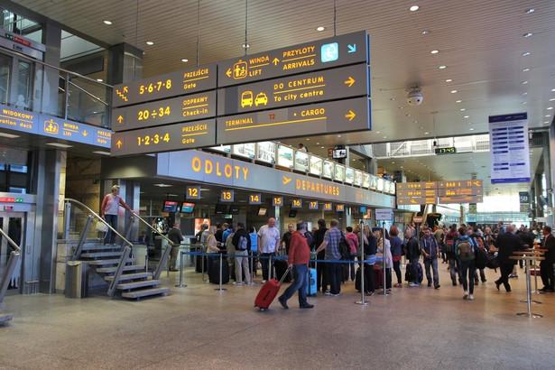 Ograniczenia wynikają z konieczności zapewnienia podróżującym bezpieczeństwa