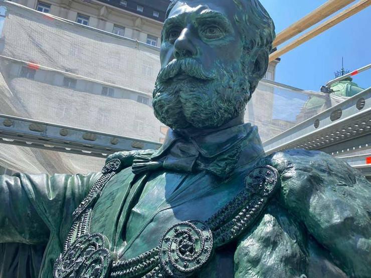 Spomenik Knez Mihaila