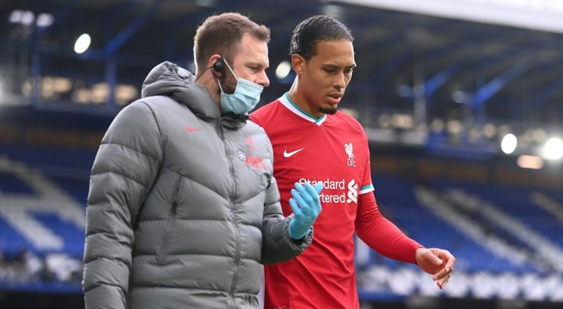 Klopp 'doesn't want to know' how long Van Dijk will be out