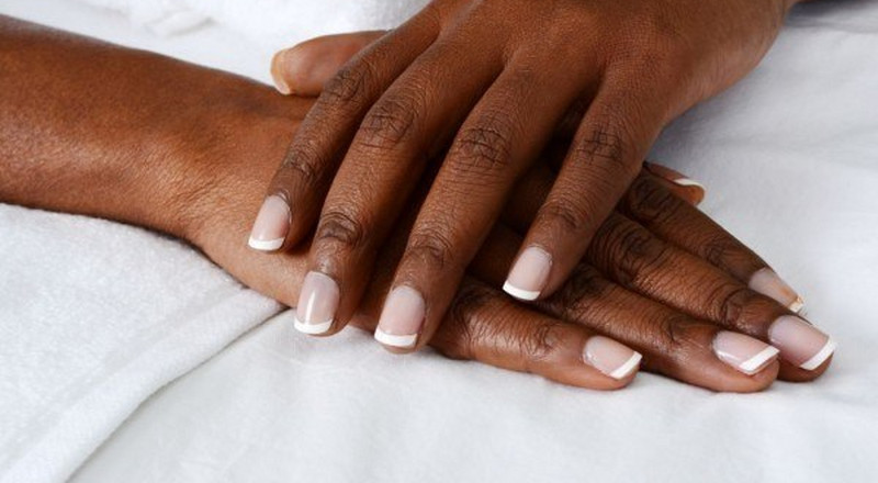 Dark Knuckles: 1 fast, natural way to lighten discoloured areas on the body