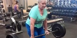 78-latka podnosi ciężary. Ale ma zdrowie! WIDEO