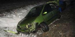 Makabryczny wypadek w Adamowie. Z samochodu wypadli pasażerowie