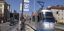 Mkną po szynach... granatowe tramwaje