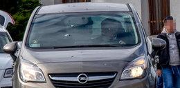 Minister zawstydza kolegów! Ma limuzynę, a jeździ swoim!