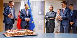 Premier Morawiecki obsypany życzeniami w Brukseli