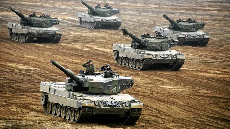 """Poligon w Świętoszowie. Czołgi w czasie polsko-brytyjskiego szkolenia """"Black Eagle"""" i """"Rys-14"""""""