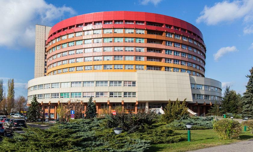 Koronawirus w Polsce: szpital w Kaliszu zamknięty. Zmarł pacjent