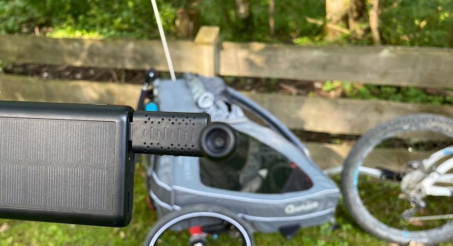 kinder-anhaenger-kamera