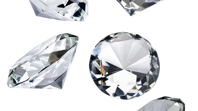 Zobacz, kto rozdaje diamenty za darmo