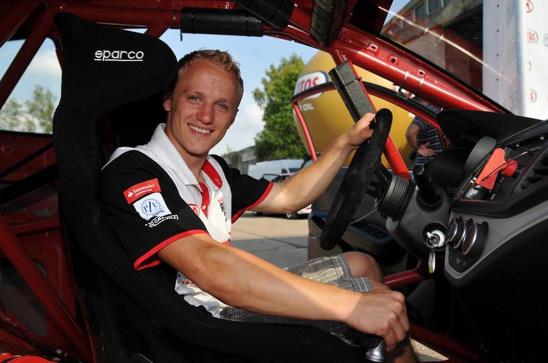 Grzegorz Kubat, zwycięzca tegorocznego konkursu Kia Lotos Race 2011