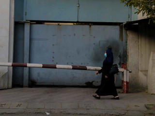 Afganistan: Talibowie zwolnili z pracy kobiety sędzię, grozi im zemsta uwolnionych więźniów