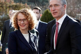 Jens Stoltenberg i makedonska ministarka odbrane Radmila Jankovska