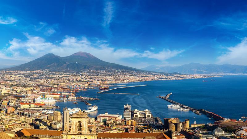 Neapol - widok na Wezuwiusza