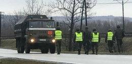 Ewakuacja i wstrzymany ruch we Frysztaku. Trwa akcja saperów