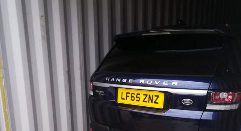 Stolen Range Rover car disguised as a household item (Twitter)